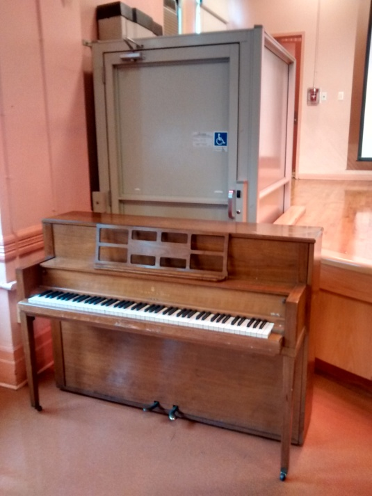 piano by lift